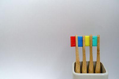 ¿Cuánto dura la vida de un cepillo de dientes?